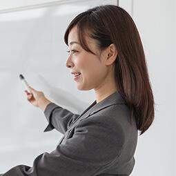 各界専門の講師陣による指導 | 青空会の特徴